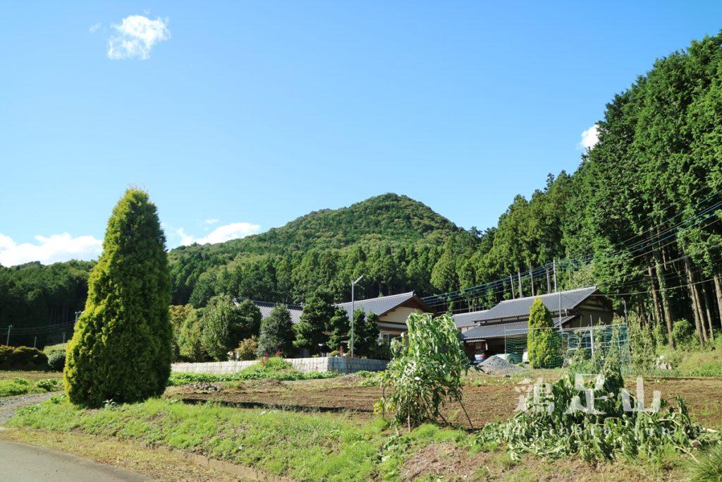 鶏足山駐車場